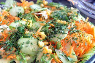 Πολίτικη σαλάτα (με λάχανο και καρότο)