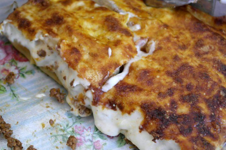 Κανελόνια με κιμά και κρέμα μπεσαμέλ