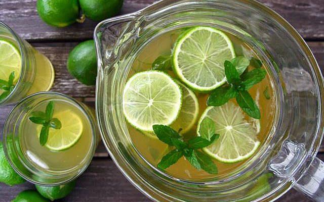Παγωμένο πράσινο τσάι