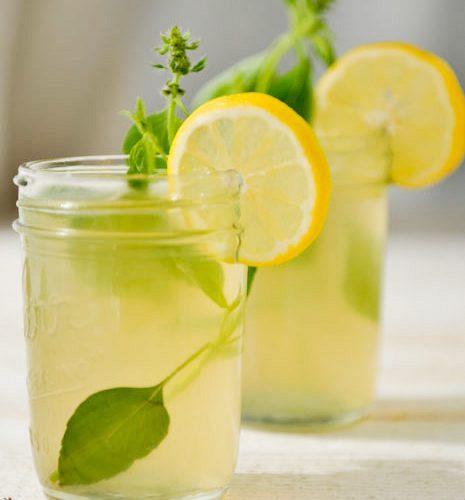 Σπιτική λεμονάδα (με τζίντζερ)
