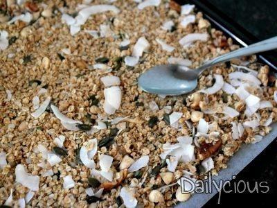 Ετοιμάζω σπιτική γκρανόλα (granola)