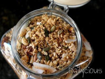 Σπιτική γκρανόλα (granola)