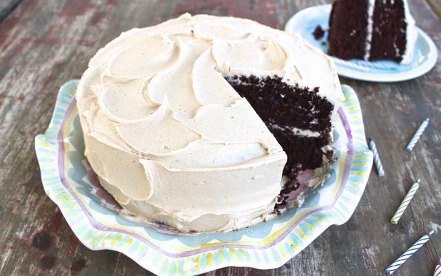 Σοκολατένιο κέικ καρύδας με γλάσο τυριού