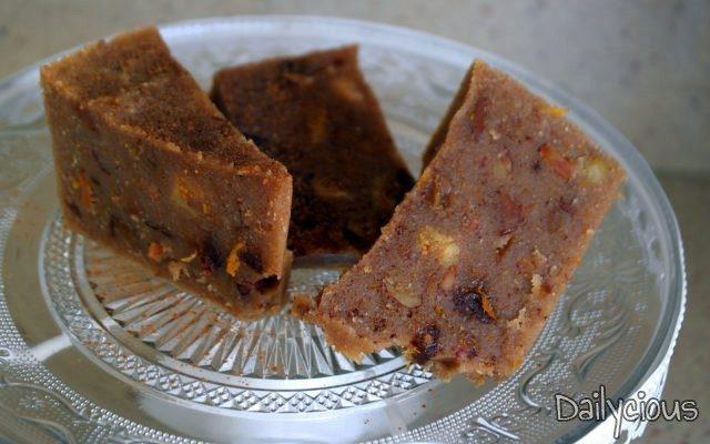 Χαλβάς Σιμιγδαλένιος με Μέλι και Ξερά Φρούτα (Νηστίσιμος)