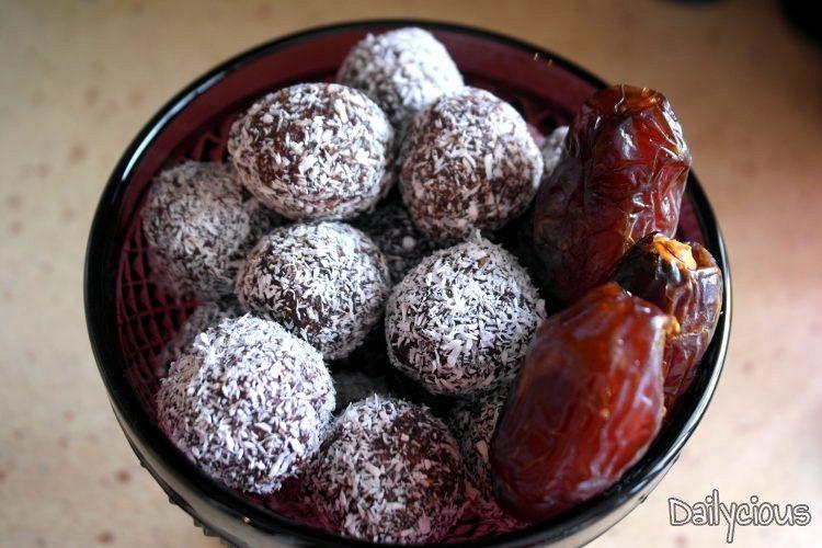 Τρουφάκια από Χουρμάδες (νηστίσιμα-χωρίς ζάχαρη)