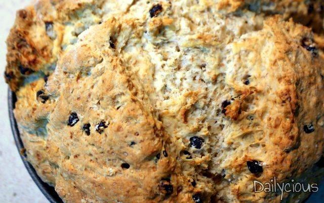 Γρήγορο Ψωμί με Σταφίδες χωρίς Μαγιά (Irish Soda Bread)