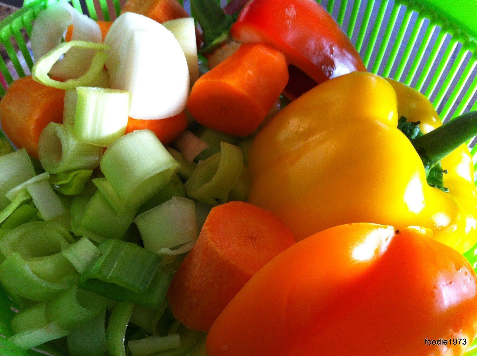 Τα λαχανικά κομμένα και πλυμένα.