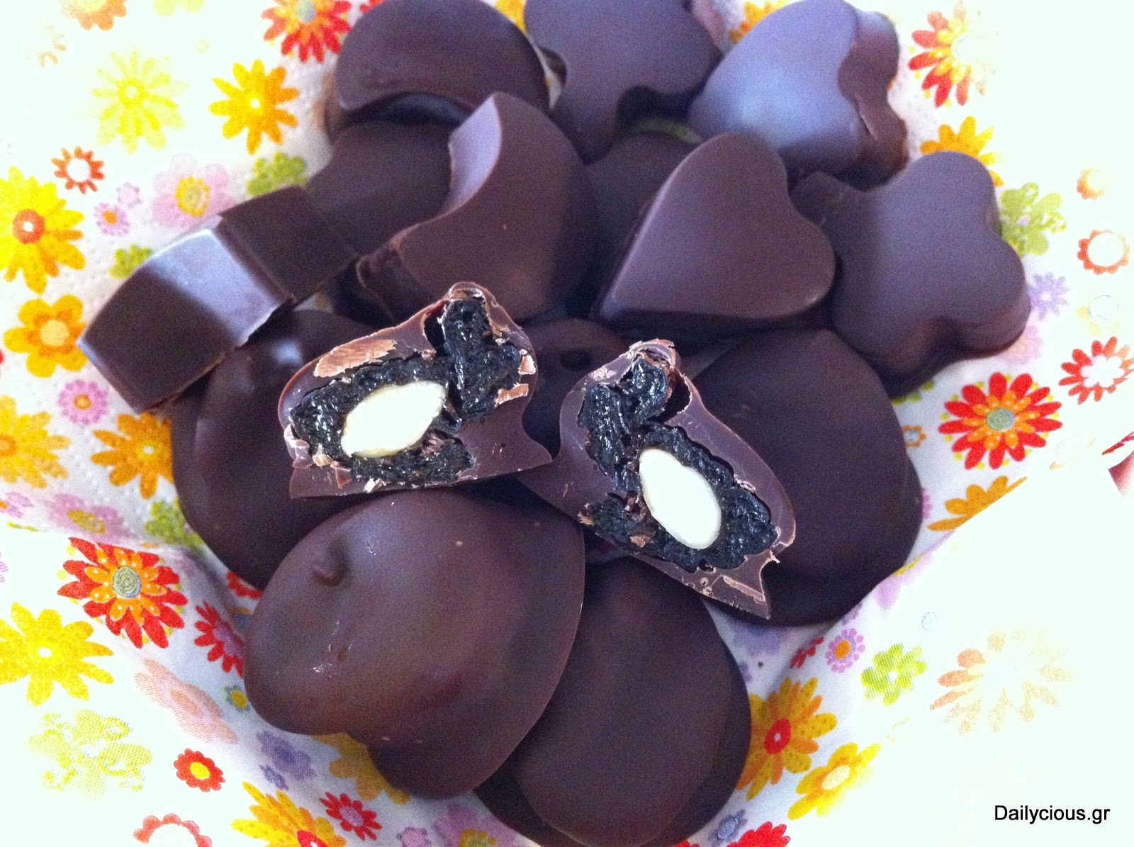 Σοκολατάκια γεμιστά με ξηρούς καρπούς