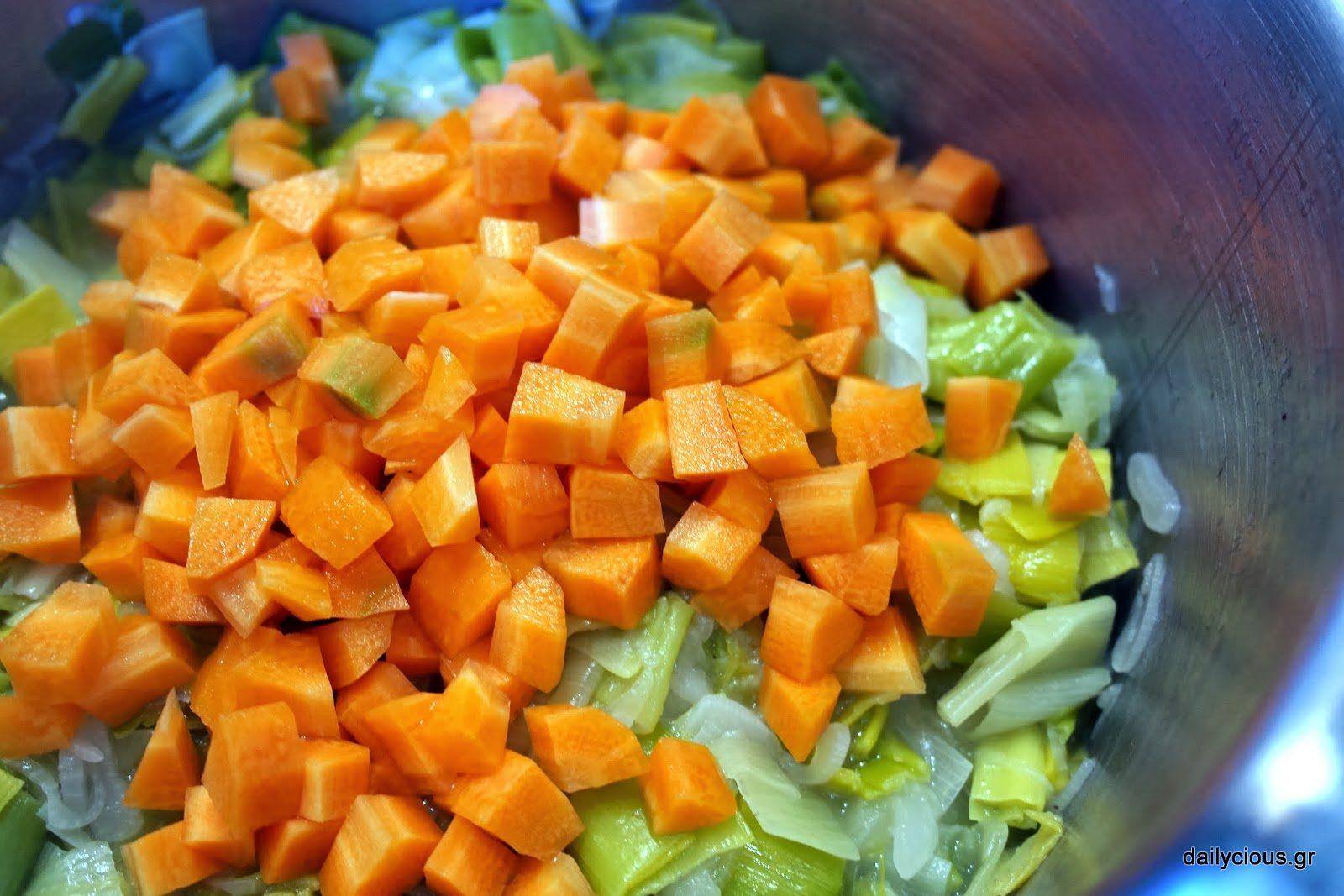 Ρίχνω στο τέλος το καρότο.