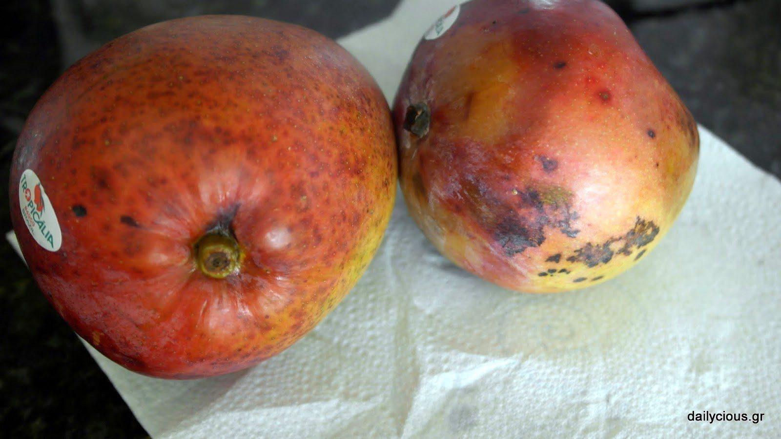 Τα μάνγκο να είναι ελαφρώς ώριμα.