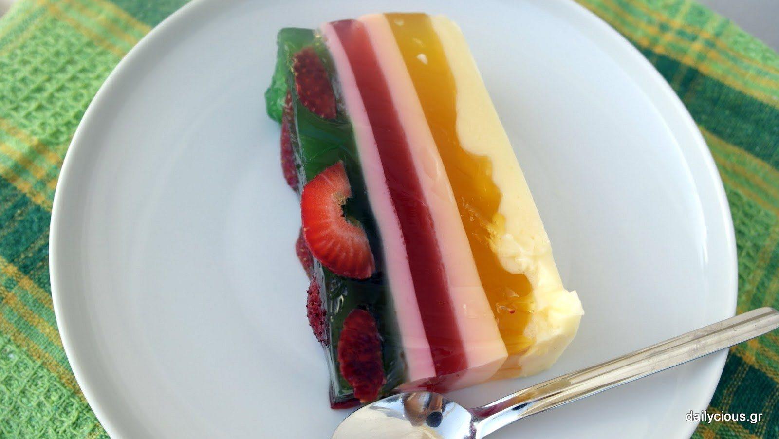 Ζελέ με Φρούτα σε Τούρτα.